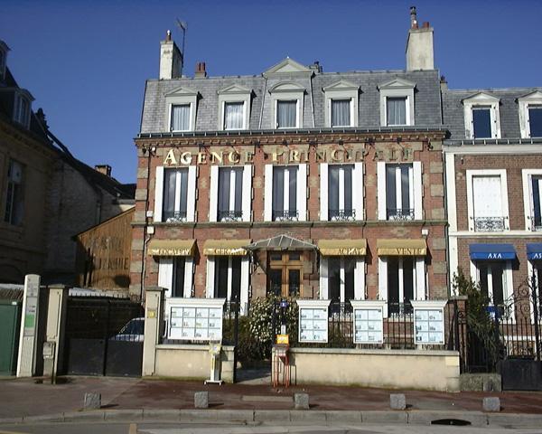 Maisons laffitte finest maisons laffitte france april the - Office de tourisme de maisons laffitte ...